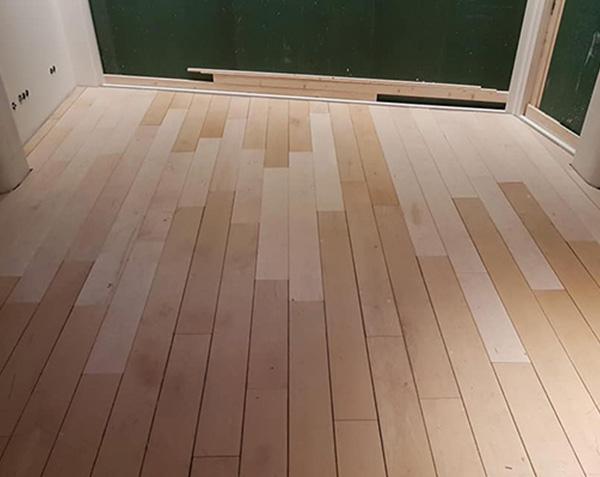 houten vloer aanhelen